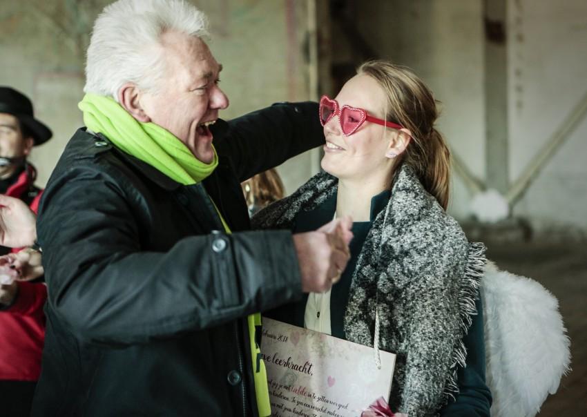 Valentijn steekt stakende juffen en meesters hart onder de riem foto: Henk Veenstra voor DaVinci