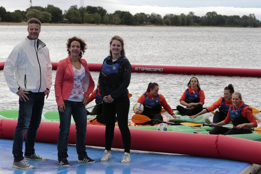 15 juni 2019 - Start Meevaarweekend Almere - Geert Dijks (HISWA), Wethouder Maaike Veeningen, Swaen (Instructeur Optimist on Tour)