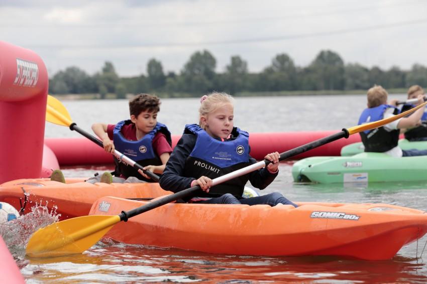15 juni 2019 - Start Meevaarweekend Almere - Kinderen spelen kanopolo 2