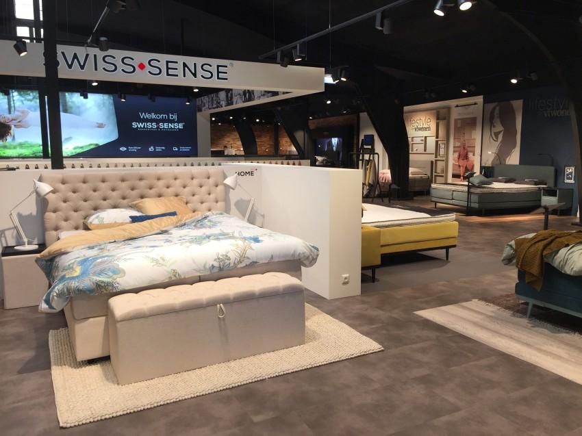 Complete Slaapkamer Swiss Sense.Persbericht Swiss Sense Zoekt Nieuwe Thuis In Aartselaar